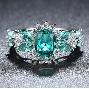 Luxury Green AAA CZ Wedding/Engagement Ring